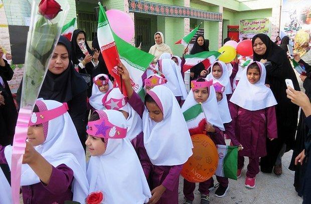 97 هزار دانش آموز ایلامی وارد مدرسه می شوند